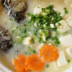 奶白色的鲫鱼豆腐汤