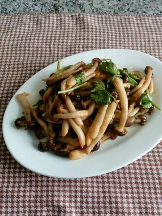拌蟹味菇的做法