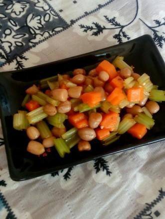 拌花生芹菜的做法
