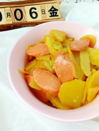 火腿肠炖土豆的做法