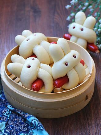 小兔子香肠馒头的做法