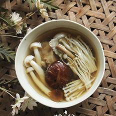 棒骨菌菇汤