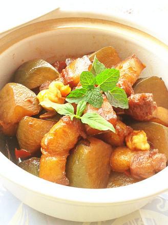 青萝卜烧五花肉的做法