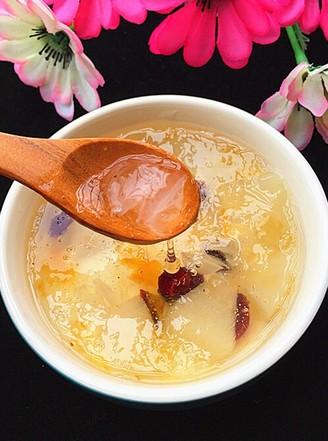 雪梨桃胶雪燕养颜汤的做法