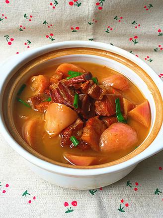 红皮萝卜焖腊猪腿肉的做法