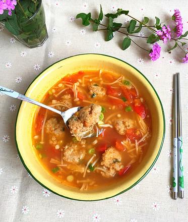 西红柿金针菇肉丸汤#晚餐#的做法