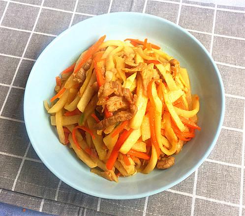 剁椒肉丝炒凉薯的做法