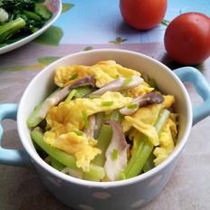 西芹平菇炒鸡蛋