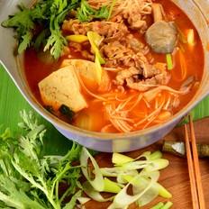 煮一锅韩式肥牛火锅