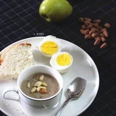 营养早餐核桃燕麦粥与水煮蛋