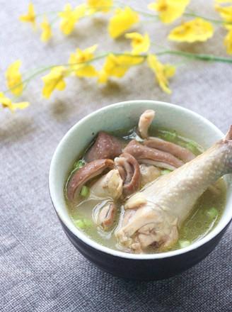 白胡椒猪肚鸡汤的做法