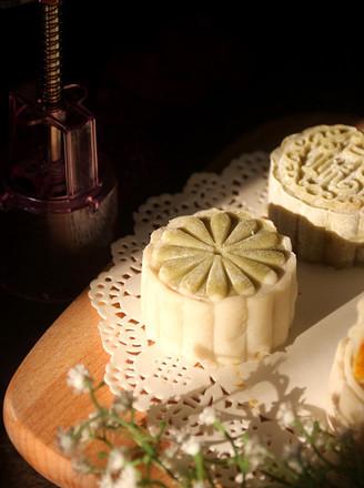 南瓜椰蓉冰皮月饼的做法