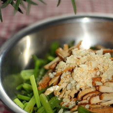 芹菜拌干丝