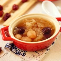红枣桂圆银耳汤