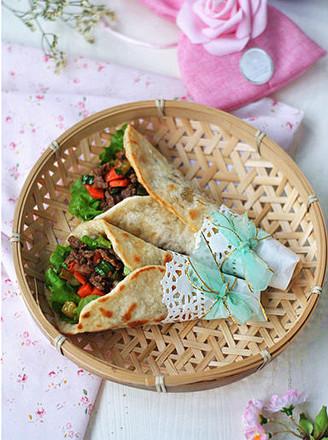 超软牛肉粒蔬菜卷饼#樱花味道#的做法