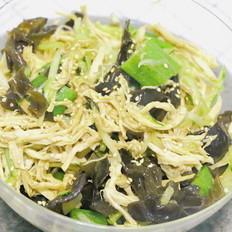凉拌手撕鸡丝 宝宝辅食,鸡胸肉+木耳+秋葵+黄瓜