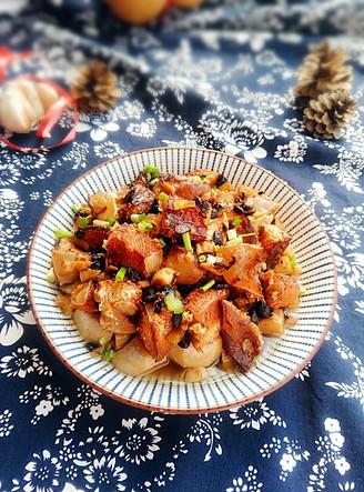 腊鱼腩蒸芋头的做法
