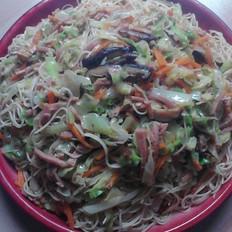 火腿香菇包菜炒面