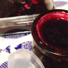 面包机蓝莓果酱