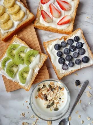 早餐水果吐司的做法