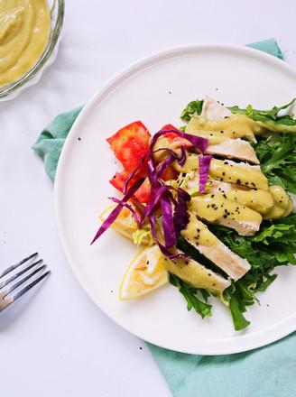 牛油果酱鸡胸沙拉的做法