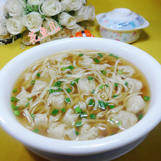 鲜虾小馄饨汤面