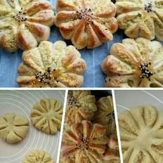 椰蓉菊花面包