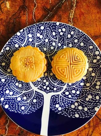 广式莲蓉蛋黄月饼的做法_家常广式莲蓉蛋黄月饼的做法【图】