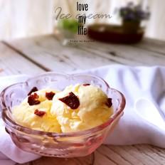 奶香冰淇淋