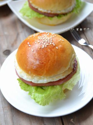 火腿鸡蛋汉堡的做法