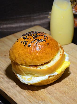 鸡蛋肉松汉堡的做法