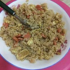 鸡蛋香肠炒米饭