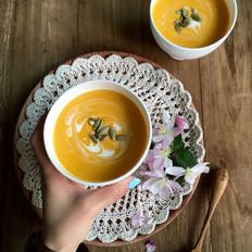 奶油南瓜浓汤