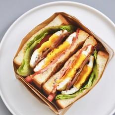 煎蛋培根三明治