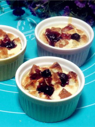 蓝莓乳酪吐司布丁的做法