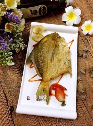 柠香煎金做法的鲳鱼干贝小米粥图片