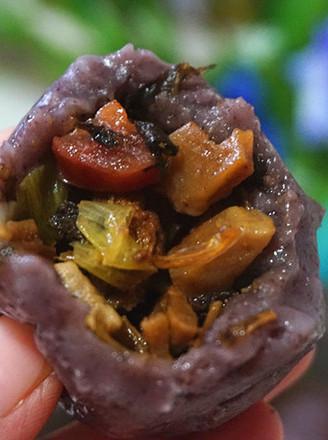 紫米咸肉糍粑的做法
