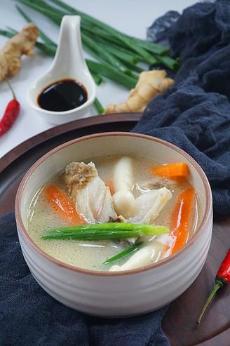 鲜菇鱼头汤的做法