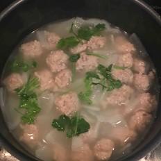 养生萝卜丸子汤