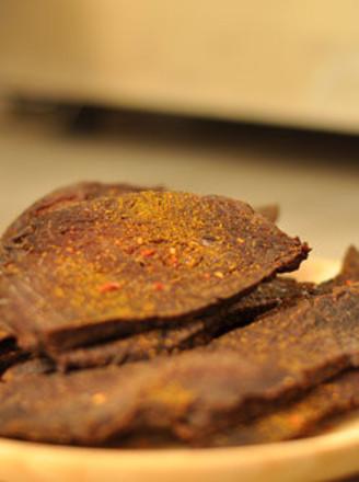 香辣咖喱牛肉干的做法