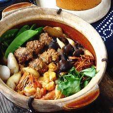 肉丸海鲜杂菜煲