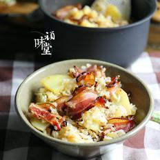 土豆腊肉焖饭