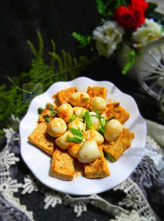 茄汁鹌鹑蛋煎豆腐的做法