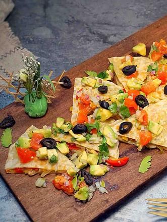 墨西哥薄脆饼配牛油果番茄莎莎的做法