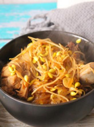 猪骨黄豆炖粉条的做法