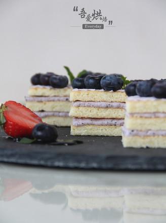高贵优雅的蓝莓蛋糕