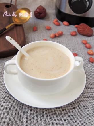 红枣花生牛奶的做法