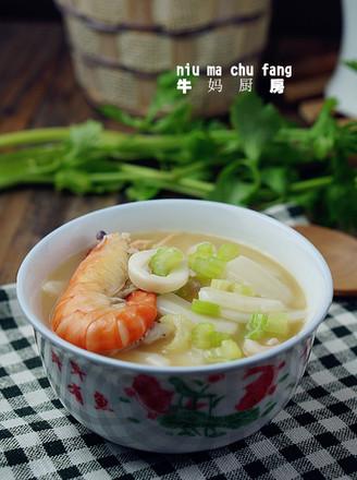 鱿虾汤年糕的做法