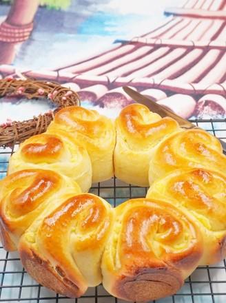 奶黄花环面包的做法