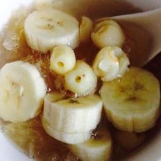 香蕉莲子银耳汤